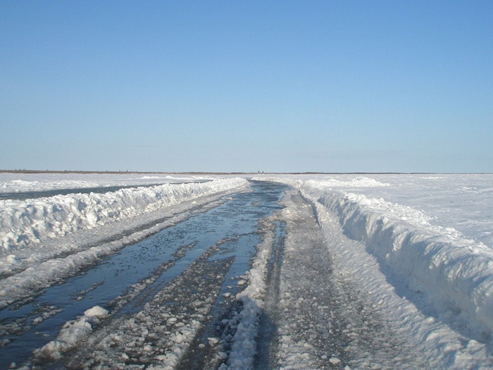 perierga.gr - O πιο παράξενος δρόμος… λιώνει το καλοκαίρι!