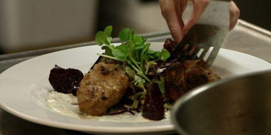 perierga.gr - Εστιατόριο σερβίρει φαγητό από υλικά που πετούν τα σούπερ μάρκετ!