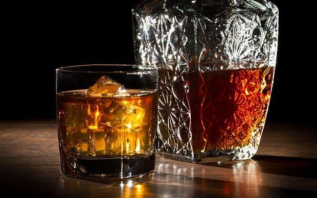 perierga.gr - Η γεύση του ουίσκι αλλάζει ανάλογα πού το πίνεις!