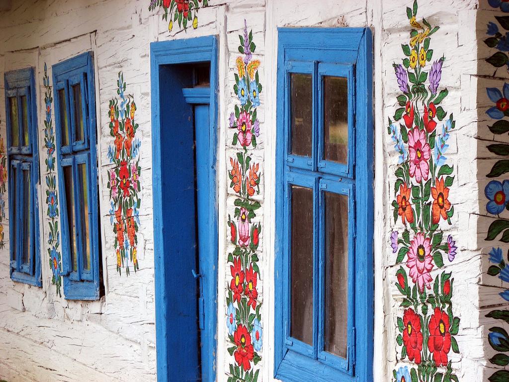 perierga.gr - Το ζωγραφισμένο στο χέρι χωριουδάκι της Πολωνίας!