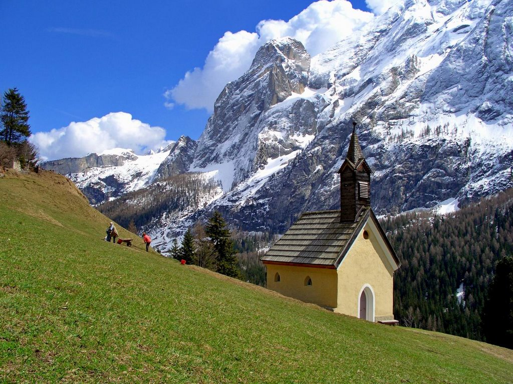 "perierga.gr - Canazei: Ένα ""κουκλίστικο"" ιταλικό χωριό!"