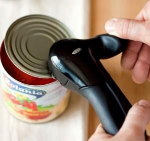 perierga.gr - Πώς θα ανοίξεις μια κονσέρβα χωρίς ανοιχτήρι (βίντεο)!