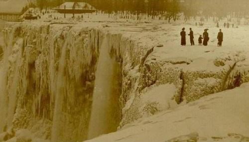 perierga.gr - Διάσημες ιστορικές φωτογραφίες από όλον τον κόσμο!