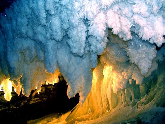 perierga.gr - Kungurskaya Cave: Το παγωμένο σπήλαιο των Ουραλίων!
