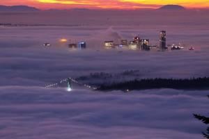 perierga.gr - Πώς η ομίχλη… κατάπιε μια πόλη!