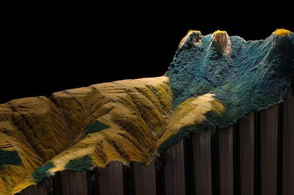 "perierga.gr - Ορεινό τοπίο σε μια... εγκυκλοπαίδεια ""Μπριτάνικα""!"