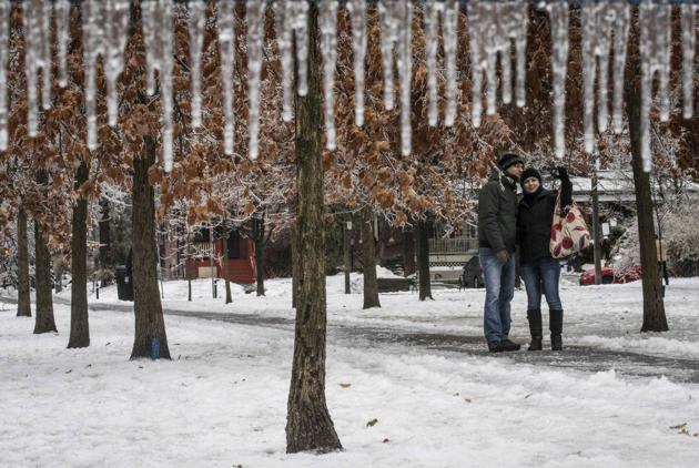 Perierga.gr - Καταιγίδα πάγου δημιουργεί μοναδικές εικόνες