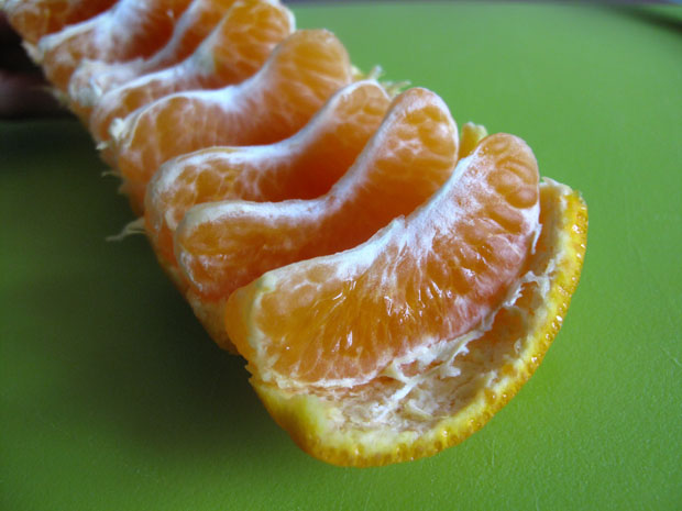 diaforetiko.gr : mandarin2 Πώς θα απολαύσετε ένα μανταρίνι χωρίς καν να το ξεφλουδίσετε!