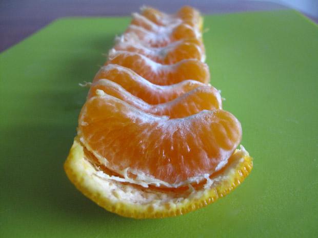 diaforetiko.gr : mandarin5 Πώς θα απολαύσετε ένα μανταρίνι χωρίς καν να το ξεφλουδίσετε!