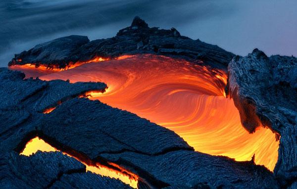perierga.gr- Εκπληκτικές εικόνες ηφαιστείου από πολύ κοντά!