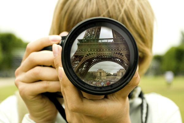 perierga.gr - Όσο πιο πολλές φωτογραφίες τραβάμε, τόσο λιγότερες αναμνήσεις έχουμε!