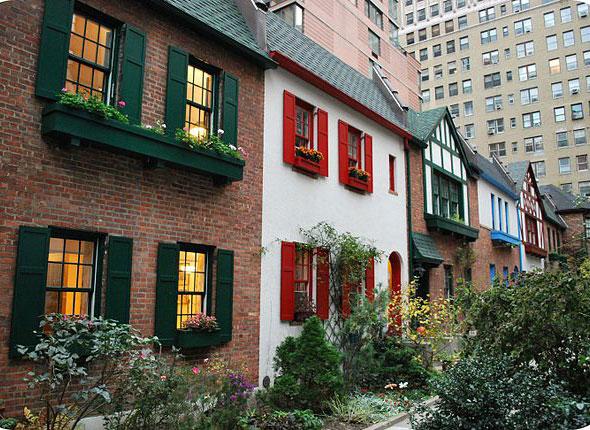 perierga.gr- Pomander Walk: Ένα αγγλικό χωριό στο κέντρο της Νέας Υόρκης