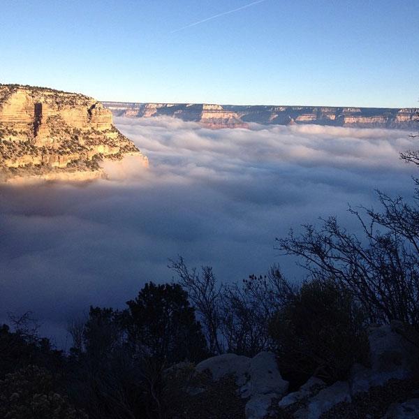 """perierga.gr - Πυκνή ομίχλη """"κατάπιε"""" το Γκραντ Κάνυον!"""