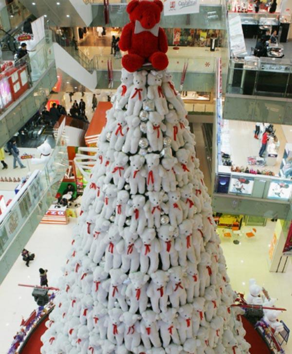 Τα πιο περίεργα χριστουγεννιάτικα δέντρα!