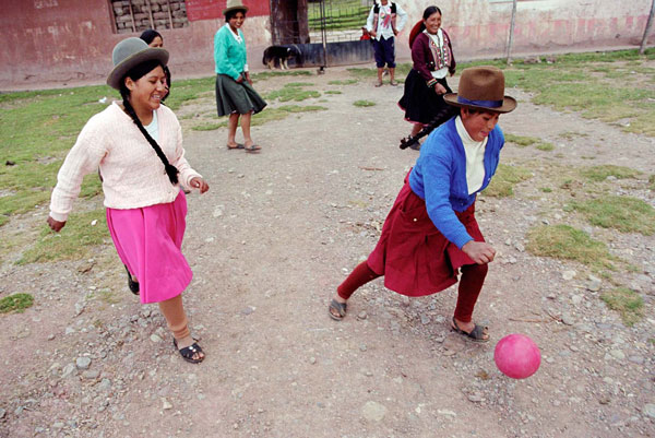 perierga.gr - One Love Project: Η αγάπη για τη μπάλα είναι παγκόσμια!