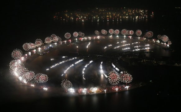 Perierga.gr - Ρεκόρ πυροτεχνημάτων στο Ντουμπάι