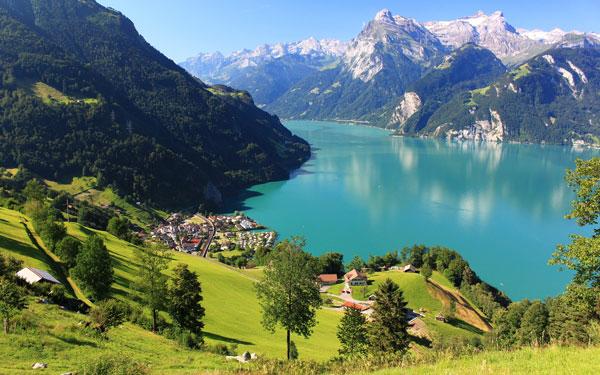 perierga.gr- Οι πανέμορφες λίμνες της Ελβετίας