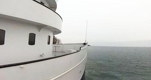 perierga.gr - Πλοίο μεταμορφώνεται σε πολυτελές σπίτι!