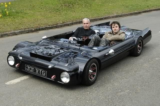 perierga.gr - Flatmobile: Το χαμηλότερο αυτοκίνητο στον κόσμο!