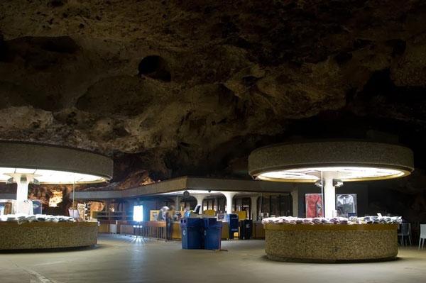perierga.gr - Υπόγειο εστιατόριο 229 μέτρα κάτω από τη Γη!