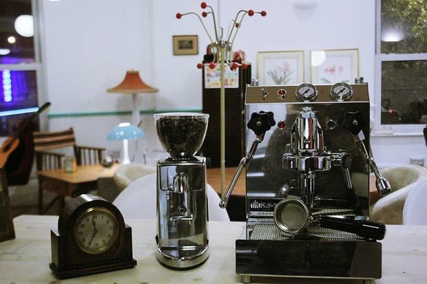 perierga.gr - Ziferblat: Καφετέρια με... χρονοχρέωση!