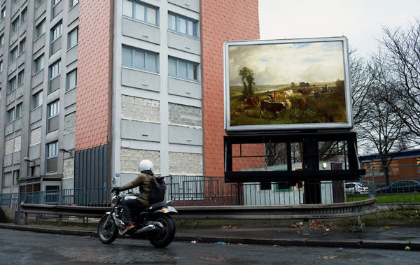 perierga.gr - Στο Παρίσι έργα Τέχνης αντικατέστησαν τις διαφημιστικές πινακίδες!