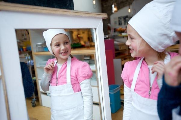 perierga.gr - Εστιατόριο & καφέ «τρέχει» από μικρά παιδάκια!