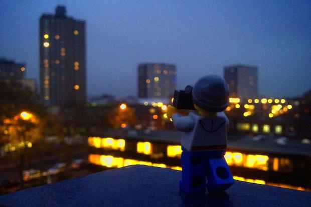 perierga.gr - The Legographer: Ο φωτογράφος της LEGO γυρίζει τον κόσμο!