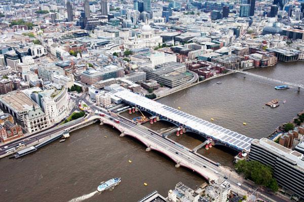 perierga.gr - Η μεγαλύτερη ηλιακή γέφυρα στον κόσμο!