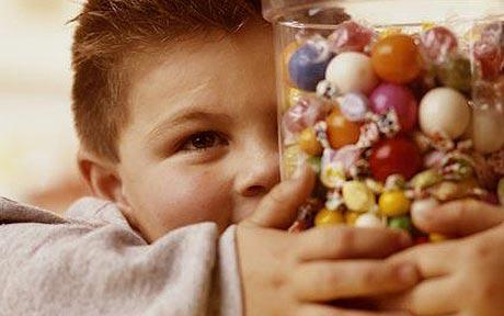 Perierga.gr - Τα παιδιά είναι «φτιαγμένα» να αγαπούν τα γλυκά