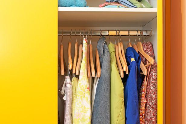 perierga.gr - Οι γυναίκες δοκιμάζουν πάνω από 40.000 ρούχα στη ζωή τους!