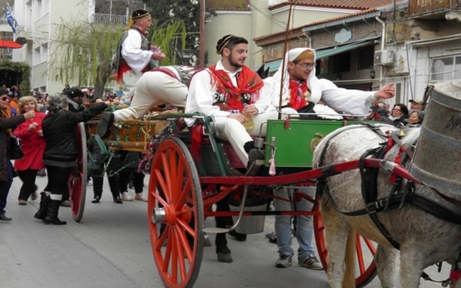 Perierga.gr - Έθιμα της Καθαράς Δευτέρας στην Ελλάδα