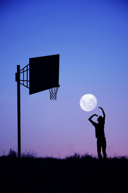 perierga.gr - Φωτογραφίζοντας το φεγγάρι... παιχνιδιάρικα!