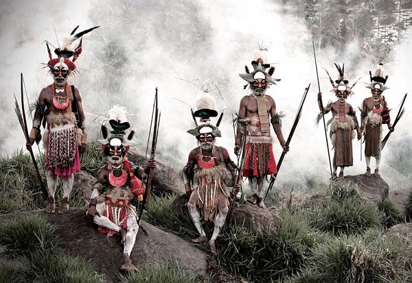 Perierga.gr - Εκπληκτικά πορτραίτα φυλών που... χάνονται!