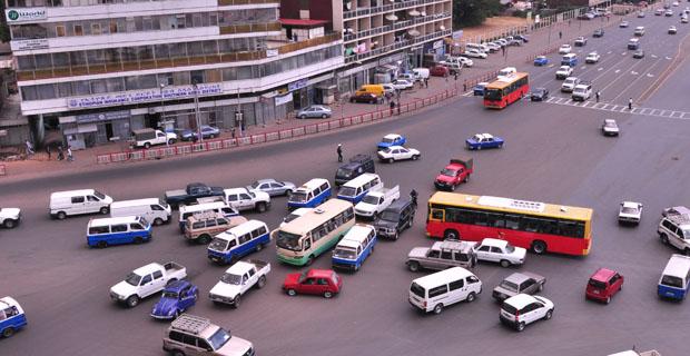 perierga.gr - Η απόλυτη αναρχία στην κίνηση των οχημάτων! (βίντεο)