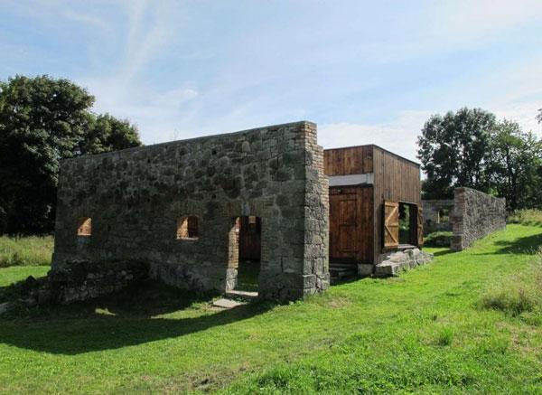 perierga.gr - 10 πανέμορφα σπίτια στη μέση του πουθενά!