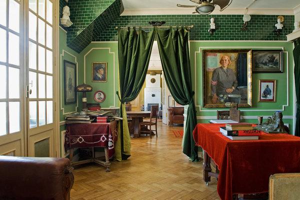 perierga.gr - Κατοικία μεταφέρει τον επισκέπτη στην εποχή του Στάλιν!