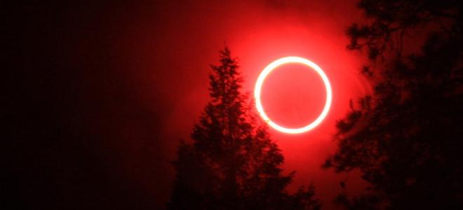 """perierga.gr - """"Ματωμένο φεγγάρι"""" τη Μεγάλη Τρίτη!"""