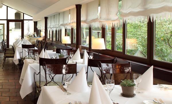 perierga.gr - 10 όμορφα εστιατόρια σε κάστρα!