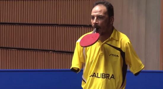 perierga.gr - Αθλητής πινγκ-πονγκ χωρίς χέρια πείθει πως τίποτα δεν είναι αδύνατο!