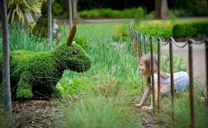 """perierga.gr - Φυτικά γλυπτά """"ζωντανεύουν"""" στο Βοτανικό Κήπο της Ατλάντα!"""