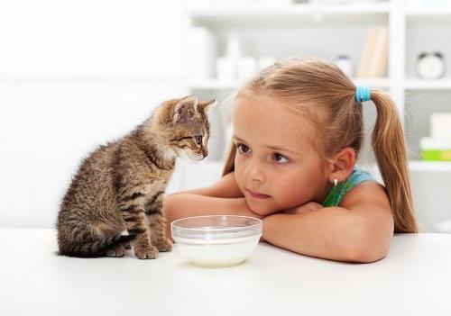 perierga.gr - 10 λόγοι που τα παιδιά πρέπει να έχουν κατοικίδιο