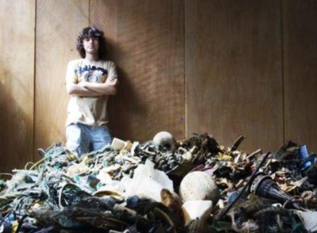 Perierga.gr - 19χρονος εφηύρε τεχνολογία για να καθαρίσει τους ωκεανούς
