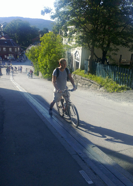 perierga.gr - Ασανσέρ για ποδηλάτες στη Νορβηγία!