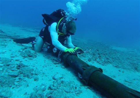 perierga.gr - Ο Παγκόσμιος Ιστός τύλιξε την υδρόγειο με καλώδια!