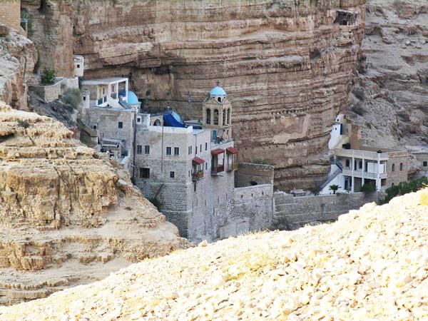 perierga.gr - Ελληνικό μοναστήρι στα βράχια της Ιερουσαλήμ!