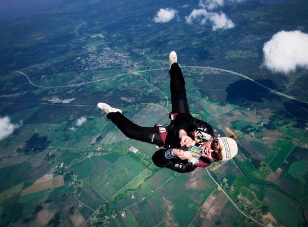 Perierga.gr - Απίθανες εικόνες από ελεύθερη πτώση που μας κάνουν να ζηλεύουμε!