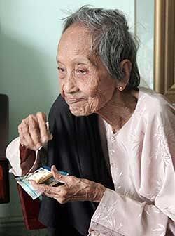 perierga.gr - Βιετναμέζα 121 ετών είναι ο γηραιότερος άνθρωπος στον κόσμο!