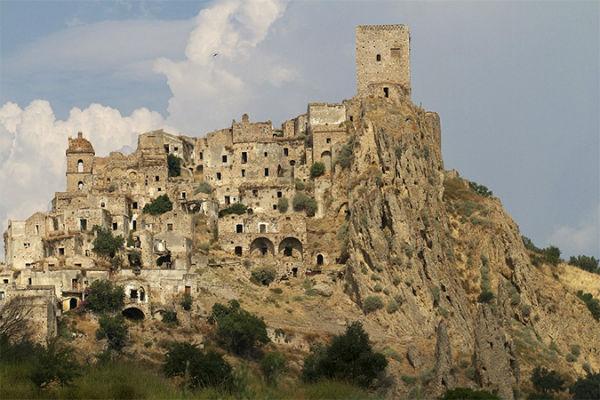 Perierga.gr - Πανέμορφα μέρη που έχουν ερημώσει
