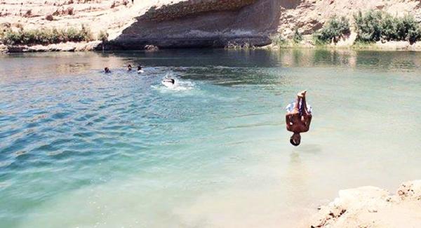 perierga.gr - Παράξενη λίμνη εμφανίστηκε στη μέση της ερήμου!